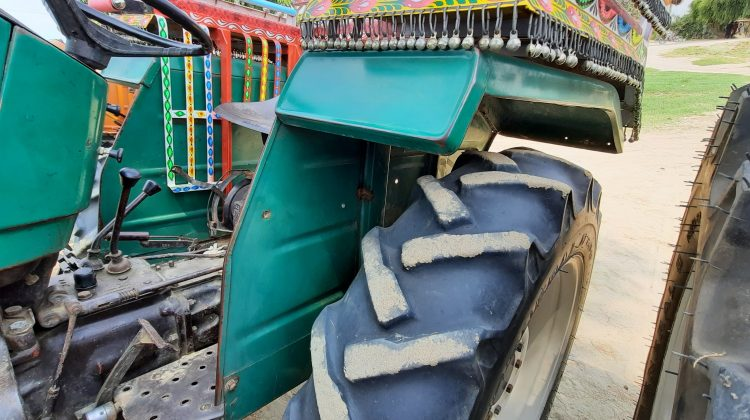nh 480 green model 2010 for sale